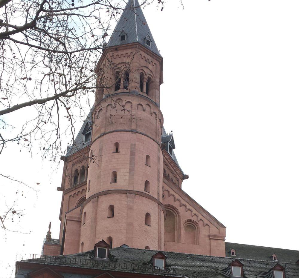 Der herrliche Mainzer Dom St. Martin mal aus einer ganz anderen Perspektive.
