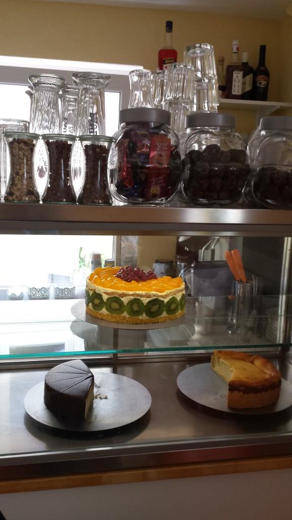 Du kannst dich auf täglich frischen Kuchen/Torten freuen