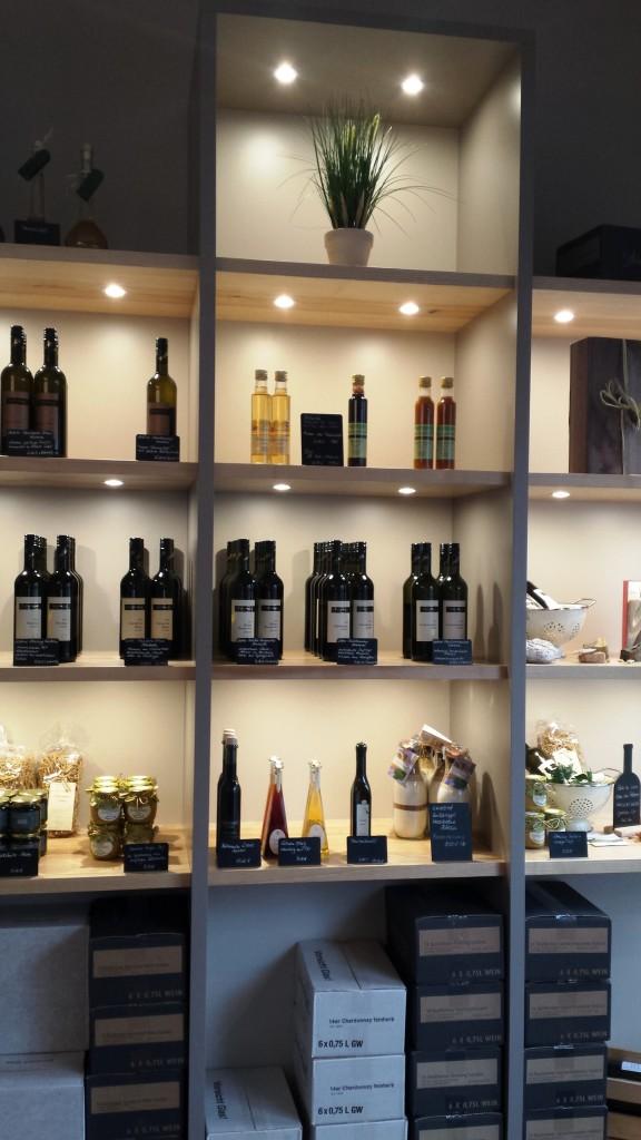 Reiches Weinsortiment und attraktive Präsente. Hier ist für jeden etwas dabei!