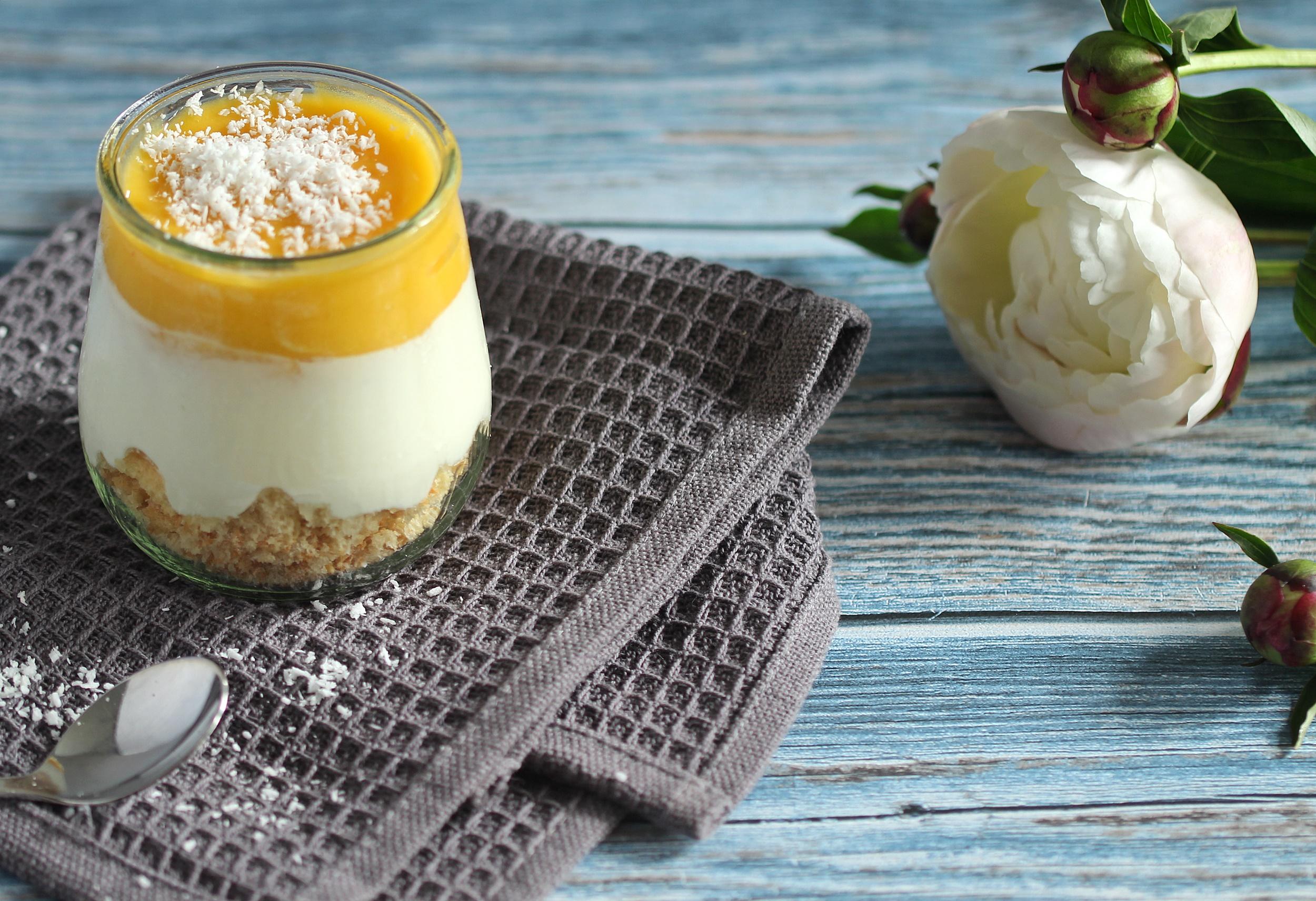 Einfaches Mango-Dessert im Glas