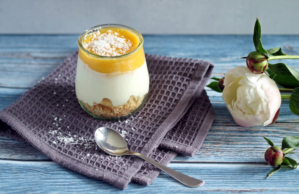 Fruchtiges Mango-Dessert im Glas - unglaublich lecker